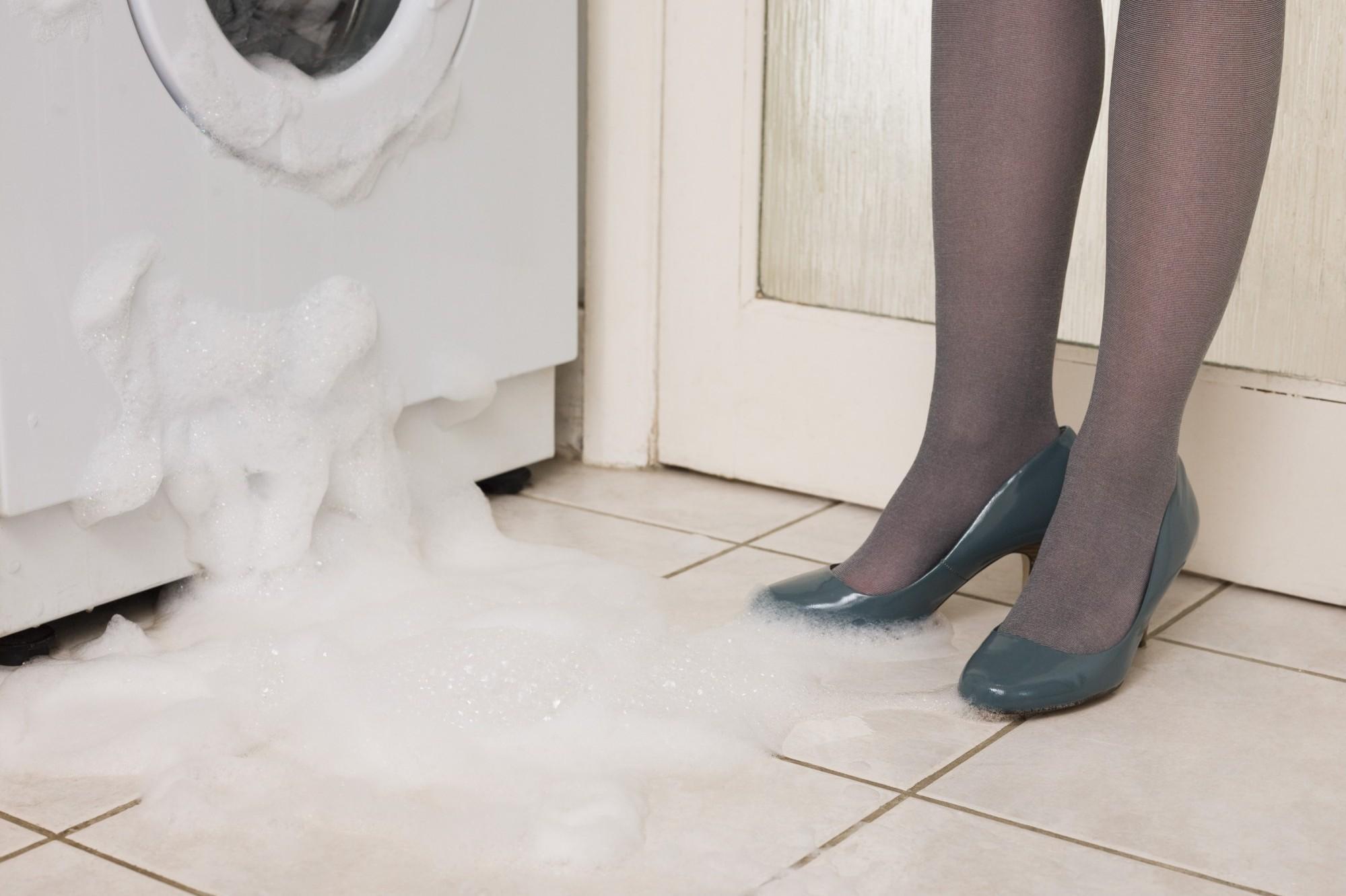 пральна машинка потекла