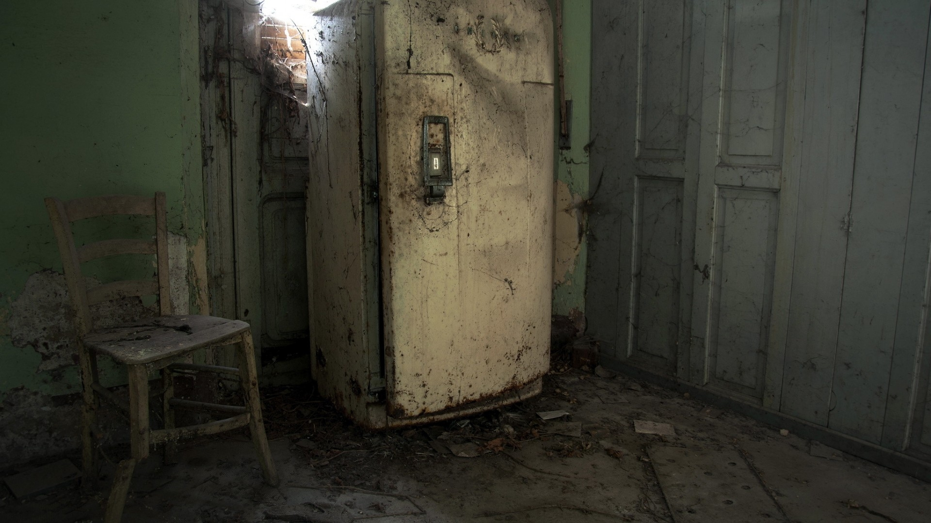 несправний холодильник